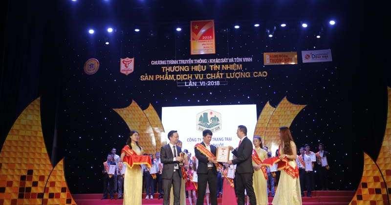 Truyền hình HTV vinh danh hạt macca BAN ME xếp hạng top 100 thương hiệu hàng đầu